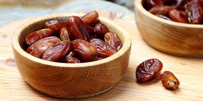 perbandingan-khasiat-sari-kurma-dan-buah-kurma-asli-10422